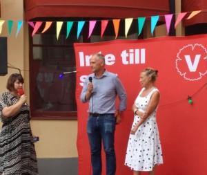 Anna Herdy frågar ut Jonas Sjöstedt och Karin Rågsjö på Vallupptakten på Kafe Marx